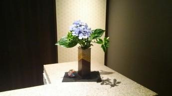 フロントカウンター花